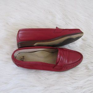 SAS Tripad Womens Red Loafers Size 7.5N Slip On
